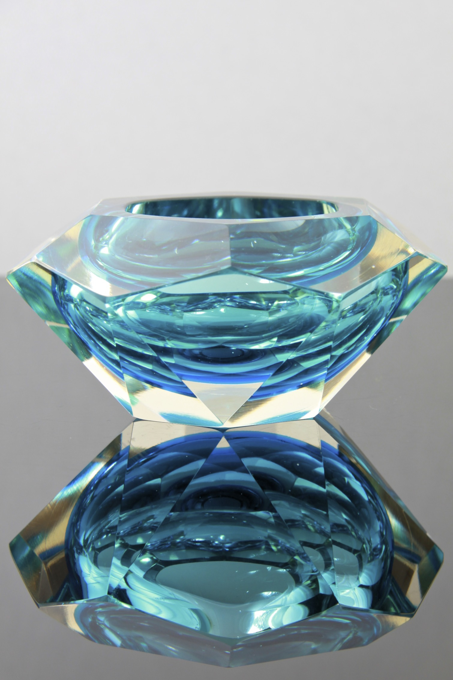 544278f84598 Whitefriars kingfisher blue glass   ...